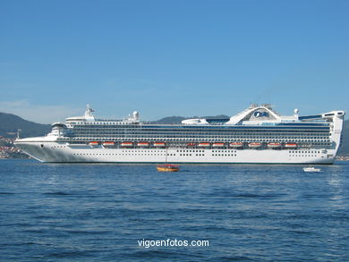 GOLDEN PRINCESS - CRUISE SHIP