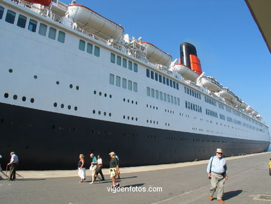 QUEEN ELIZABETH 2 (II) - CRUISE SHIP