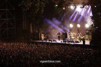 ARTIC MONKEYS - CONCIERTO EN CASTRELOS - VIGO