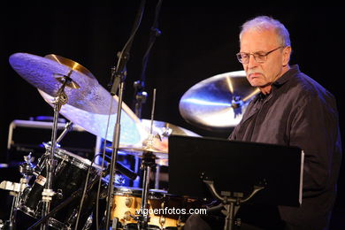 JOHN SURMAN QUARTET - JAZZ. III FESTIVAL OF VIGO (SPAIN) IMAXINASONS 2007