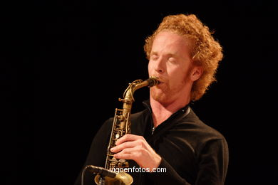 NILS WOGRAM - ROOT 70 - JAZZ IMAXINASONS