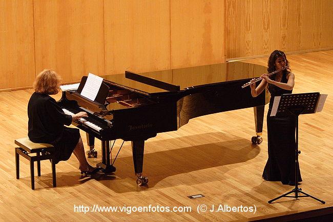 http://www.vigoenfotos.com/imagenes/conciertos/xer_flauta/g_vigoenfotos_3213.jpg