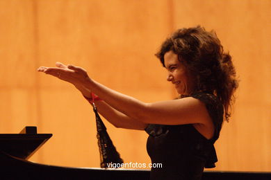 SOPRANO AND PIANO -  GENERATION 2000+5 - VIGO - SPAIN