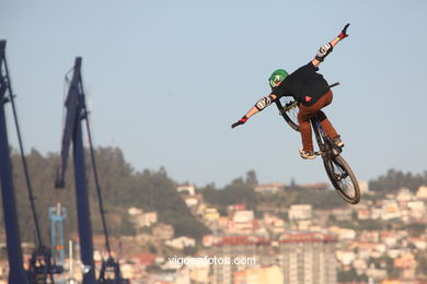 MOUNTAIN BIKE DIRT JUMP - MARISQUIÑO 2013.