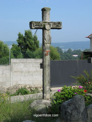 STONE CROSSES OF CASTRELOS AND SÁRDOMA