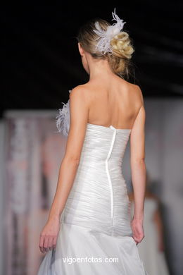 WEDDING DRESSES. COLLECTION 2010. RUNWAY FASHION