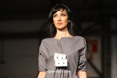HUMAN BEHAVIOUR. DISEÑADOR: MARA INDIO.RUNWAY FASHION OF YOUNG FASHION DESIGNER 2008 - VIGOFERIA