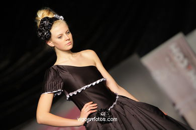 TOTAL BLACK. FASHION DESIGNER: ROCÍO GONZALEZ . RUNWAY FASHION OF YOUNG FASHION DESIGNER 2009 - VIGOFERIA
