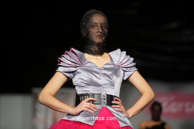 NEW LOOK. FASHION DESIGNER: KRISS ARIANA . RUNWAY FASHION OF YOUNG FASHION DESIGNER 2009 - VIGOFERIA