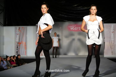 EL UNIVERSO MIRONIANO. FASHION DESIGNER: MARIAN DE LAS HERAS . RUNWAY FASHION OF YOUNG FASHION DESIGNER 2009 - VIGOFERIA