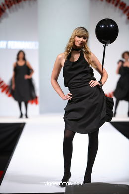 SARAY FERNÁNDEZ MARQUES. YOUNG FASHION DESIGNERS AWARS - TESOIRA 2006
