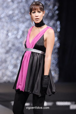 FASHION DESIGNER: MAURO MENDUIÑA SOTO. RUNWAY FASHION OF YOUNG FASHION DESIGNER TESOIRA 2007
