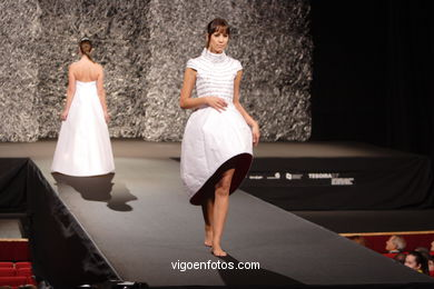 FASHION DESIGNER: CAROLINA GONZÁLEZ GARCÍA. RUNWAY FASHION OF YOUNG FASHION DESIGNER TESOIRA 2007