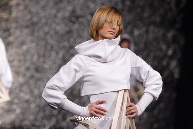 FASHION DESIGNER: MARUXA CALDERÓN PALLÍN. RUNWAY FASHION OF YOUNG FASHION DESIGNER TESOIRA 2007