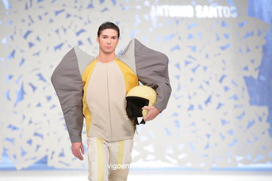 THE LITTLE BASTARD. FASHION DESIGNER: ANTONIO JAVIER SANTOS PÉREZ. RUNWAY FASHION OF YOUNG FASHION DESIGNER 2009