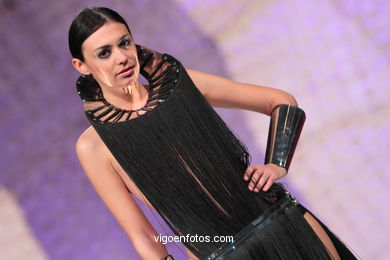 FUTURE-LOOKING BACK. FASHION DESIGNER: ISABEL PIÑAR FRAGA. RUNWAY FASHION OF YOUNG FASHION DESIGNER 2010