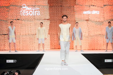 ACERCA DE LA CAMISA (ABOUT THE SHIRT). FASHION DESIGNER: ANTÍA LÓPEZ CEDRÓN. RUNWAY FASHION OF YOUNG FASHION DESIGNER 2010