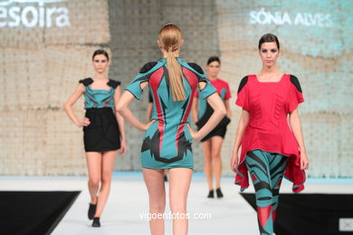 PEEP SHOW. CURSO DE DESIGN DE MODA - CITEX. FASHION DESIGNER: SONIA ALVES. RUNWAY FASHION OF YOUNG FASHION DESIGNER 2010