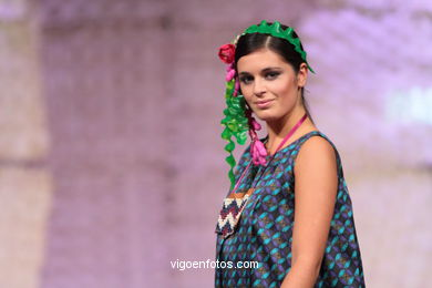 MEETING POT. FASHION DESIGNER: RAQUEL PEREIRO LÓPEZ. RUNWAY FASHION OF YOUNG FASHION DESIGNER 2010