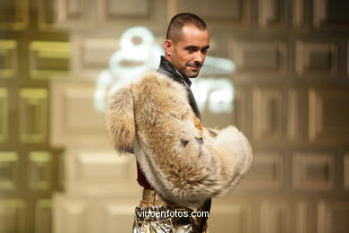 BEUYS (GÉNESIS) - MARCOS BARRA RODRÍGUEZ - RUNWAY FASHION OF YOUNG FASHION DESIGNER TESOIRA 2008