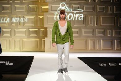 POCKET - OLALLA NOVOA SEISDEDOS - RUNWAY FASHION OF YOUNG FASHION DESIGNER TESOIRA 2008