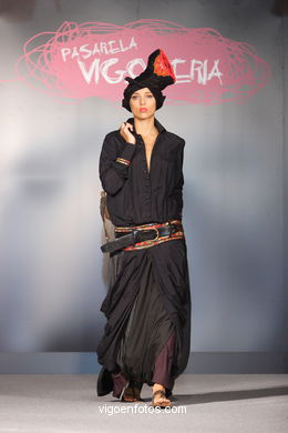 FASHION COLLECTION OF GRUPO ATELIER DES MILLE COLLINES - RUNWAY FASHION OF YOUNG FASHION DESIGNER 2007 - VIGOFERIA