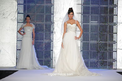 WEDDING DRESSES. COLLECTION 2010. RUNWAY FASHION. PRONOVIA 2010.