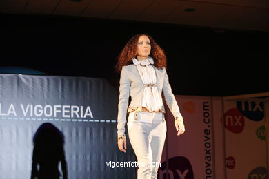 NURIA SERRA SALA - CHIC. RUNWAY FASHION OF YOUNG FASHION DESIGNER 2006