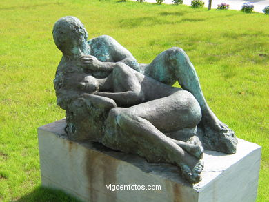 PUBLIC CONTEMPORARY SCULPTURE  (1970-S.XXI). SCULPTURES AND SCULPTORS. VIGO