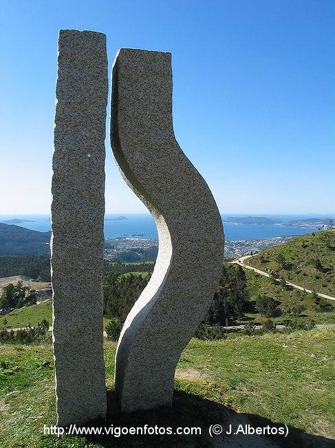 Fotos de escultura abstracta contempor nea monte alba - Esculturas de madera abstractas ...