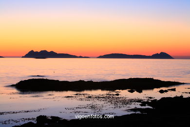 SUNSET & SUNRISE. VIGO BAY. SEA AND LANDSCAPES. CIES