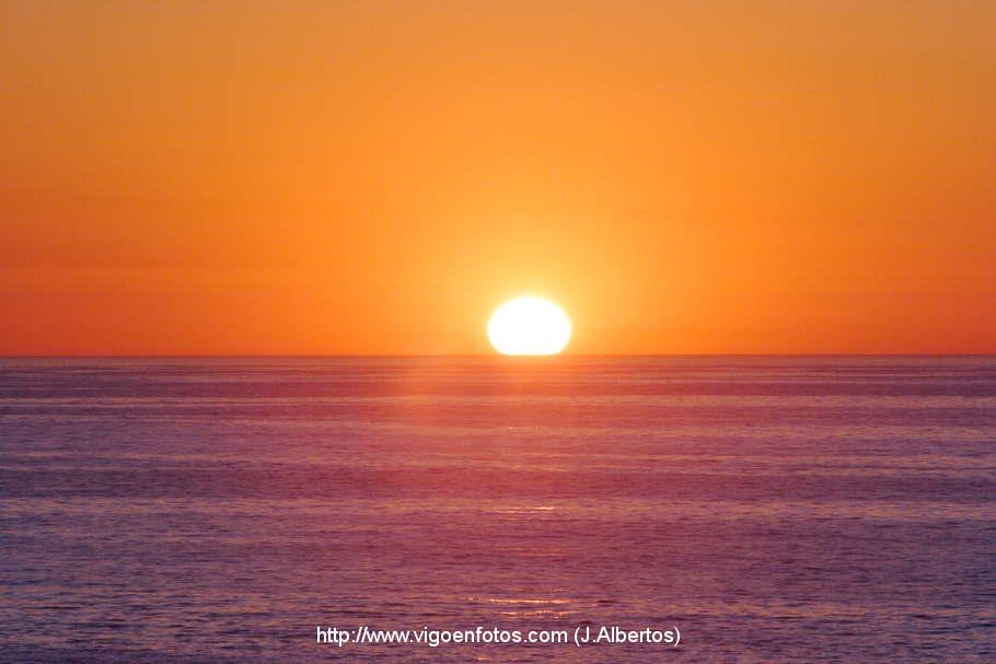Fotos de puestas de sol mar abierto vigo galicia for Puesta de sol