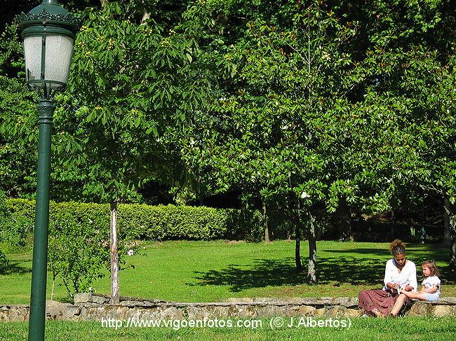 Fotos de jardines del parque de castrelos vigo galicia for Jardines galicia