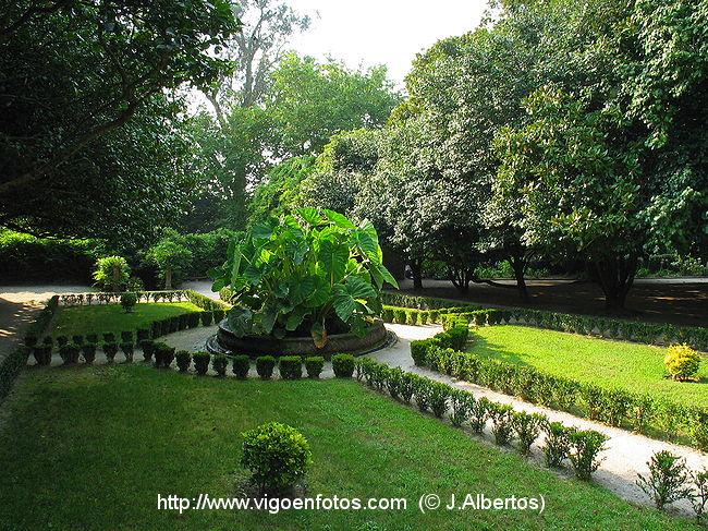 Fotos de jard n ingl s de qui ones de le n vigo galicia for Jardin en ingles