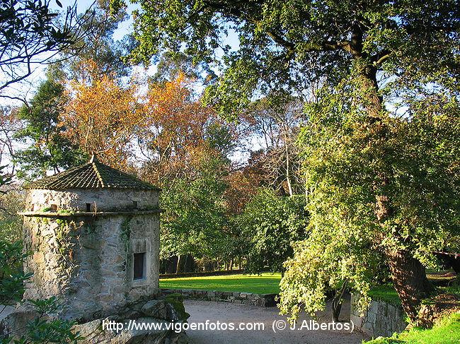 Fotos de jardines posteriores de qui ones de le n vigo for Jardines galicia
