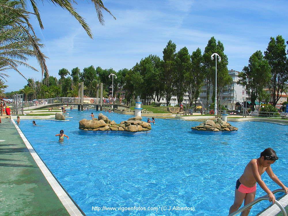 Fotos de piscinas y tobog n de agua de la playa de samil - Piscina de playa ...