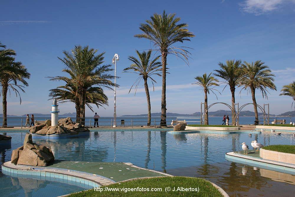 Fotos De Piscinas Y Tobog N De Agua De La Playa De Samil