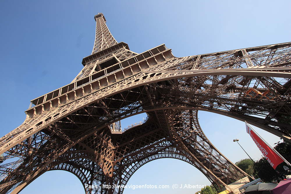 Photos of eiffel tower tour paris france for La torre paris