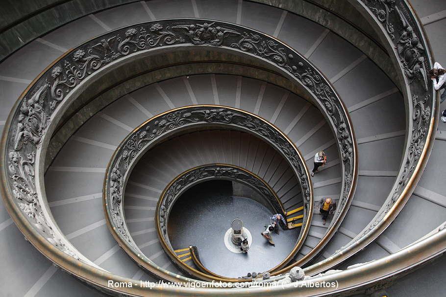 fotos de escalera espiral del vaticano giuseppe momo