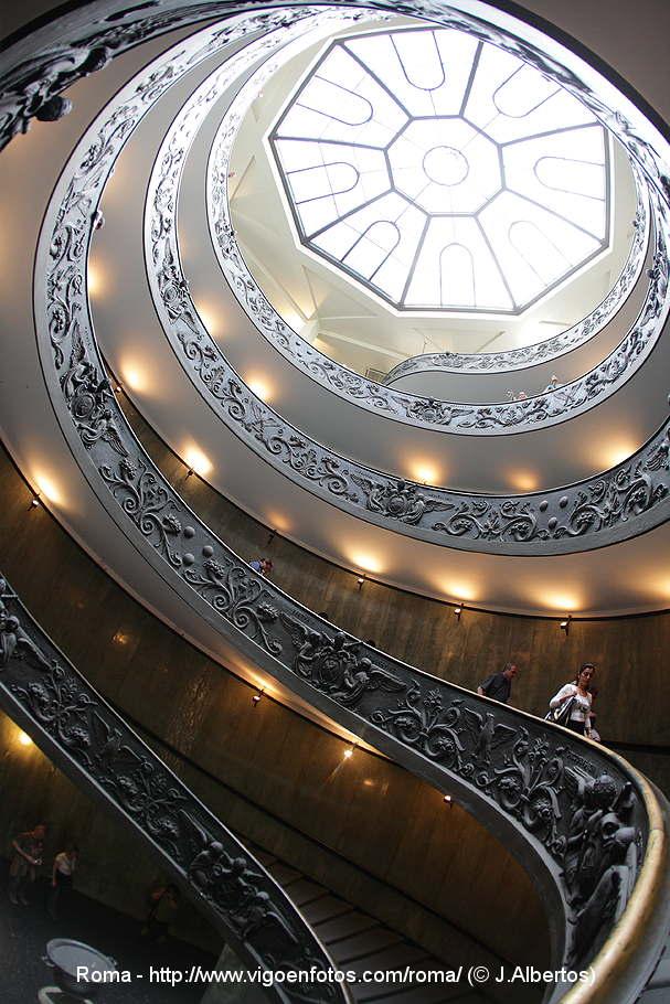 escalera espiral del vaticano giuseppe momo escaleras de