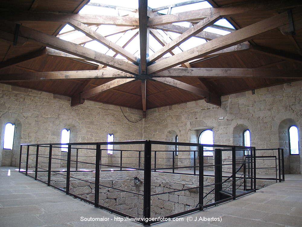 Castillo de sotomaior jardines num ref 2231e car - Jardines de interior ...