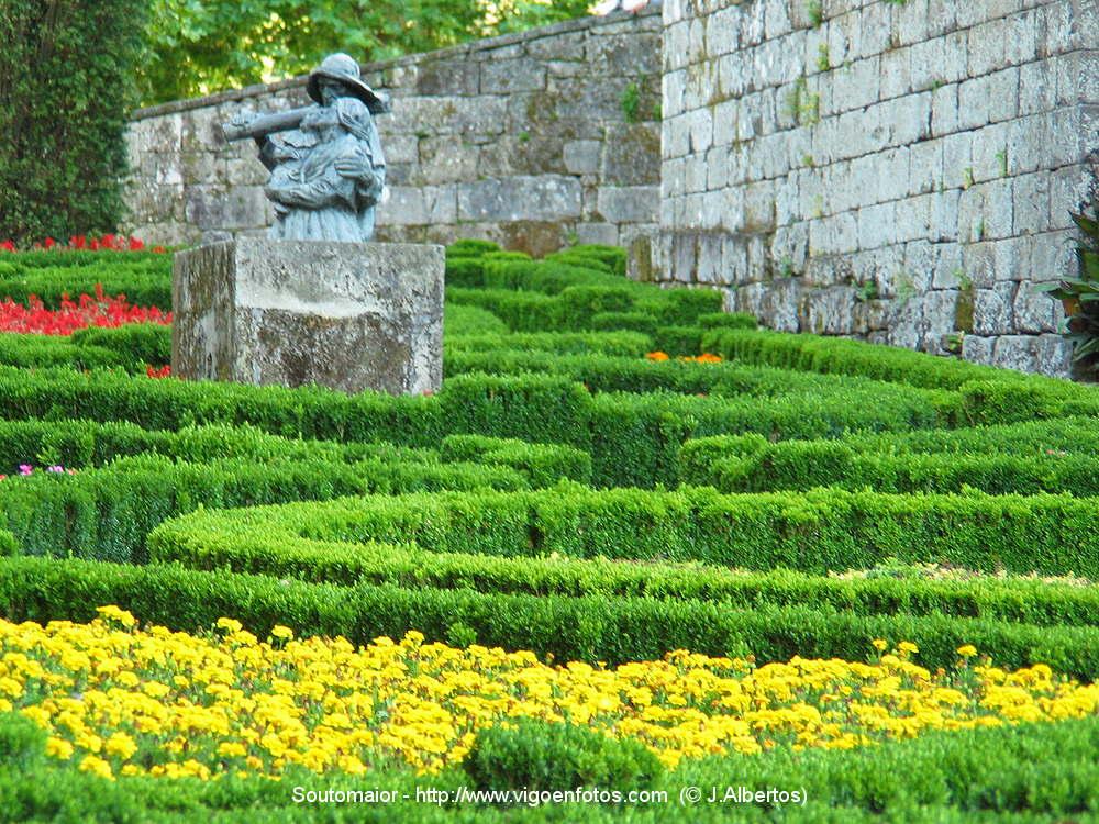 Fotos de castillo de sotomaior jardines castillo de for Jardines galicia